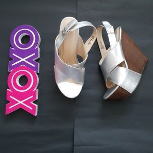 BAMBOO silver wedges with wood platform sz 8.5